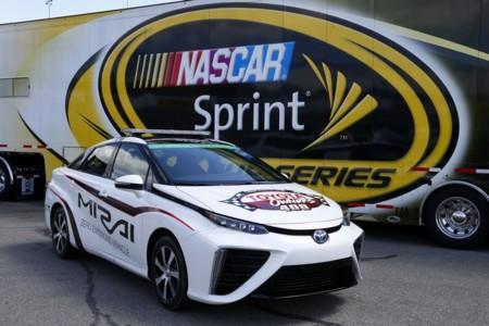 El Toyota Mirai se viste de Pace car para la NASCAR