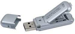 Memoria USB con lector de tarjetas flash