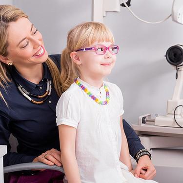 """""""Mi hijo no quiere ponerse las gafas"""": 11 consejos que le ayudarán a acostumbrarse a ellas"""