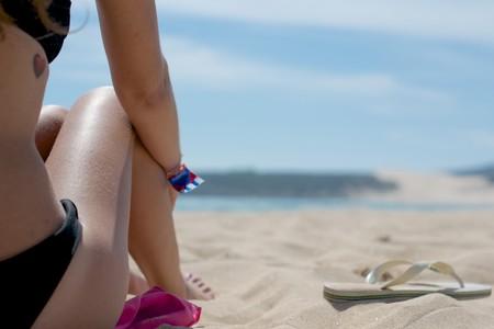Entrena tus abdominales en la playa: tres ejercicios que puedes hacer a la orilla del mar
