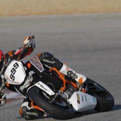 Foto 10 de 17 de la galería ktm-690-duke-track-limitada-a-200-unidades-definitivamente-quiero-una-ktm-690-ejc en Motorpasion Moto