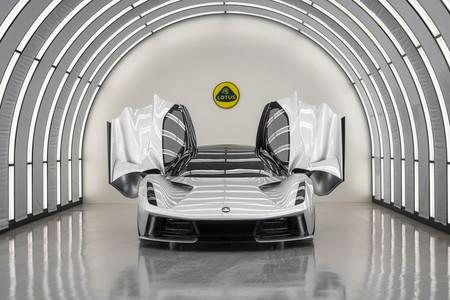 ¡Demencial! El hiperdeportivo eléctrico Lotus Evija promete acelerar de 200 a 300 km/h en tres segundos