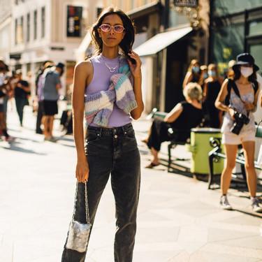 Siete tops de canalé ajustados para llevar con pantalón de tiro alto y crear un look básico en entretiempo