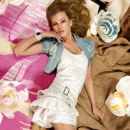 Colección Stradivarius Primavera-Verano 2010: moda para la mujer