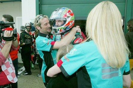 Troy Corser consigue el podio para Petronas
