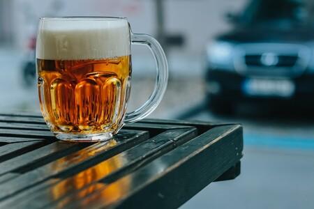 Beber cerveza para adelgazar: esta dieta promete bajar 5 kilos al mes. Según expertos, te explicamos mitos y verdades