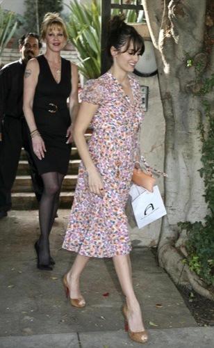 Penélope Cruz se une a la moda de los vestidos florales