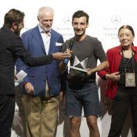 Si te gusta la moda apunta el nombre de Xavi Reyes, ganador de la VI edición de MBFTalent