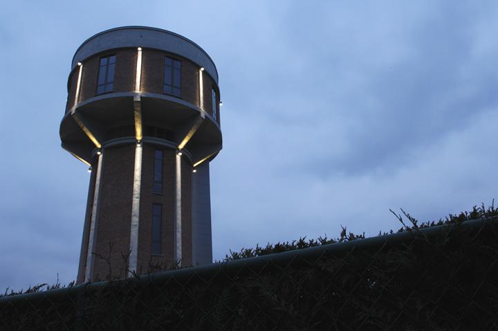 Foto de Casas poco convencionales: vivir en una torre de agua (31/35)