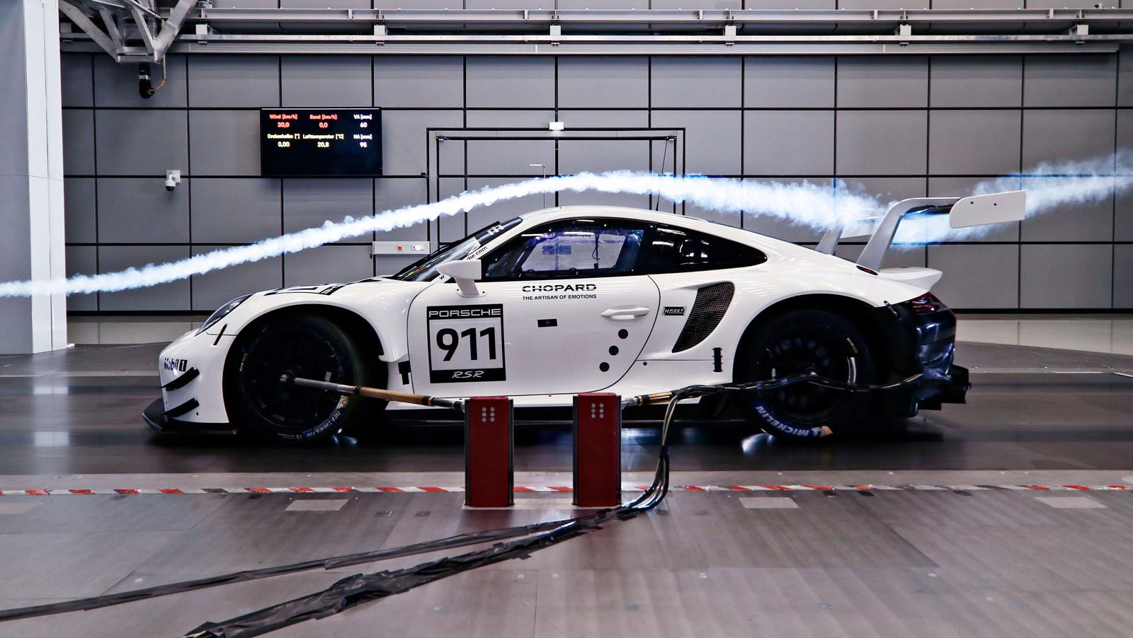 Foto de Porsche 911 RSR GTE 2019 (18/41)