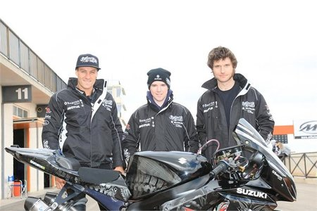 Josh Brookes y Guy Martin en Relentless Suzuki