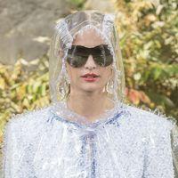 Los chubasqueros de Zara que nos recuerdan a Chanel (y que son lo mejor para un día de lluvia)