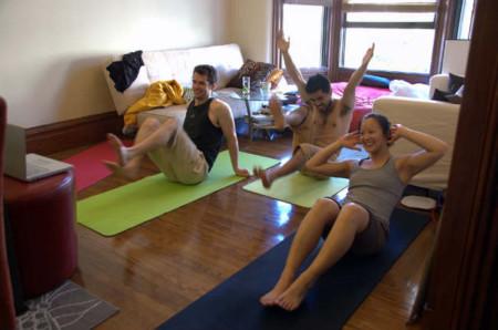 Consejos para hacer abdominales sin cargarnos la espalda