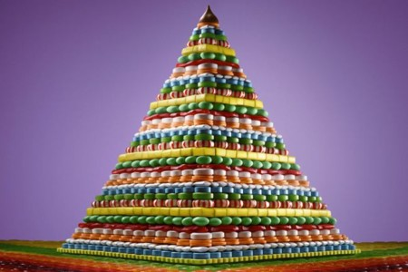 Pirámides y pozos para golosos por Sam Kaplan