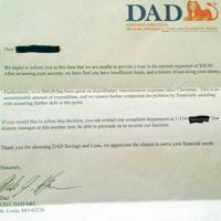 Un padre rechaza una petición de préstamo de su hijo como lo haría tu banco