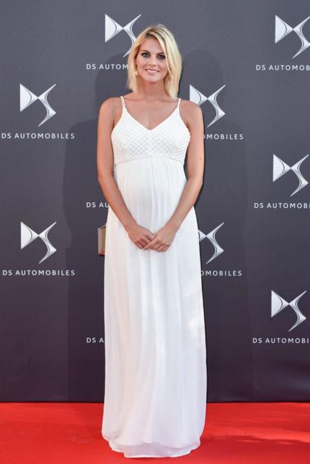 Amaia Salamanca Embarazada Vestido Blanco 2
