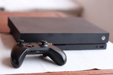 Xbox One X 3