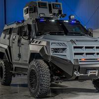 Se llama Roshel Senator ARV y es un bestial vehículo blindado pensado para operaciones SWAT y de rescate