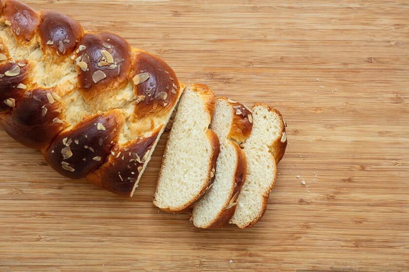 Pan para torrijas casero, de panadería o del supermercado ¿cuál es mejor? La opinión de los expertos
