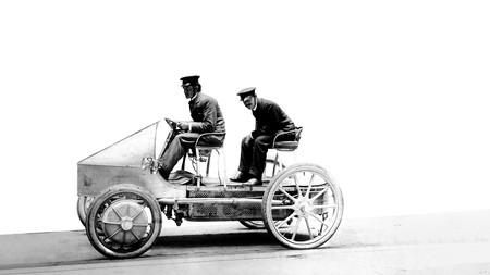 Primer coche híbrido de la historia