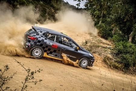 Renault quiere quedarse con la JWRC y descarta construir un R5