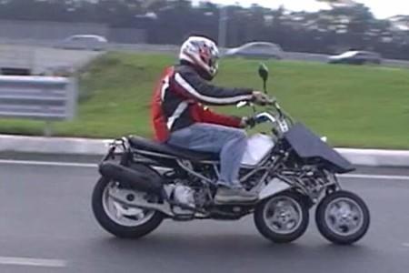 De los creadores del Piaggio MP3 ahora llega el prototipo de scooter con tres ruedas en línea