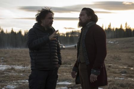 DiCaprio escucha a Inárritu en el rodaje