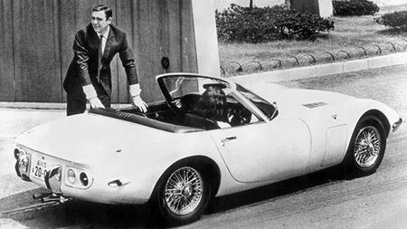 Jay Leno y el Toyota 2000 GT convertible de James Bond