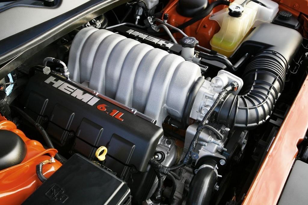 Foto de Dodge Challenger SRT8 (70/103)