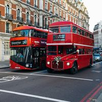 Reino Unido pagará 75,000 pesos a quienes dejen su auto por el transporte público