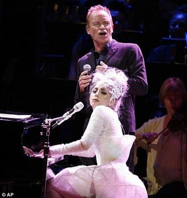 Lady Gaga y Sting homenajean a la fundación 'Rainforest' cantando su particular 'Stand by me'