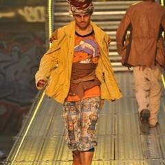 Foto 2 de 14 de la galería john-galliano-primavera-verano-2010-en-la-semana-de-la-moda-de-paris en Trendencias Hombre