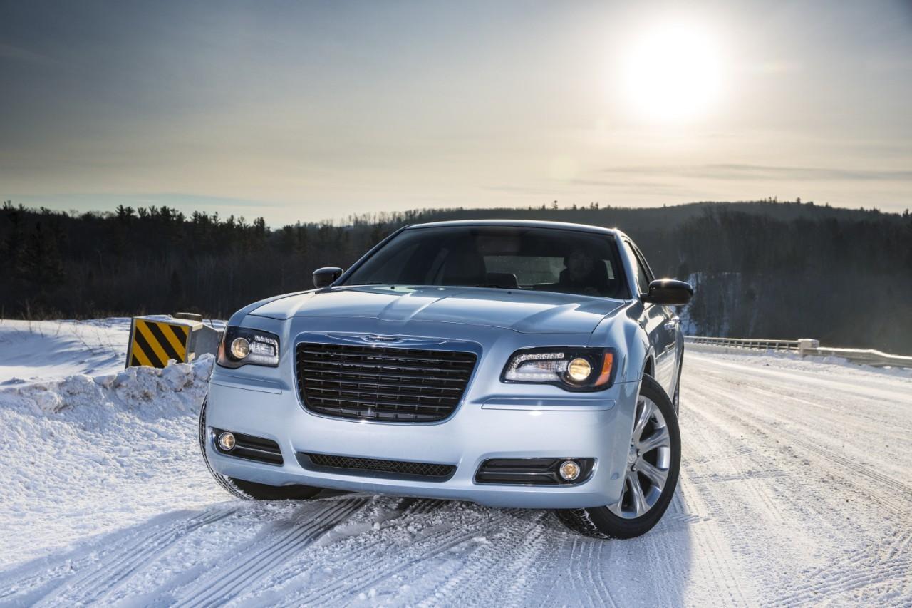 Foto de 2013 Chrysler 300 Glacier (17/27)