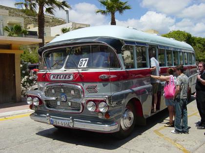 Consejos para sobrevivir a un viaje en autobús