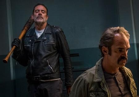 'The Walking Dead' 8x15: Juego de Tronos en El Santuario y las cartas de Carl
