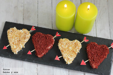 Corazones de queso con frutos secos y tomate para mamá. Receta de San Valentín