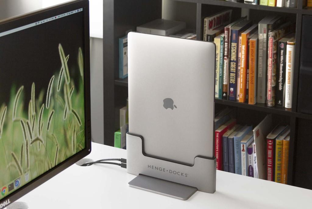 Brydge lanza su impresionante dock para MacBook Pro con puertos USB, soporte vertical y ventilación para el portátil