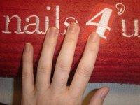 Me ponen uñas de gel en Nails 4'us, toda una experiencia
