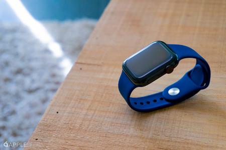 Acompaña tu iPhone con el potente smartwatch Apple Watch Series 4 Cellular, vendido en eBay a través de MediaMarkt por 399 euros