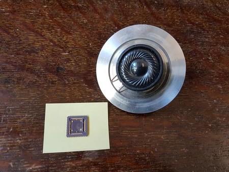 Este altavoz de grafeno es capaz de crear sonidos con calor sin necesidad de vibraciones