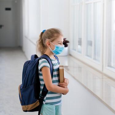 Las ventanas abiertas en las aulas para prevenir el COVID podría perjudicar a los alumnos alérgicos al polen, alertan los expertos