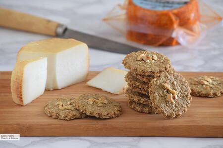 Galletas saladas de avena y trigo sarraceno: receta fácil de picoteo o para la tabla de quesos