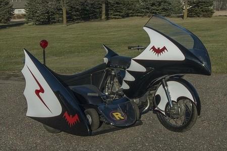 ¡Con cohetes y un kart! Esta réplica de la moto del primer Batman televisivo se vende por 15.469 euros