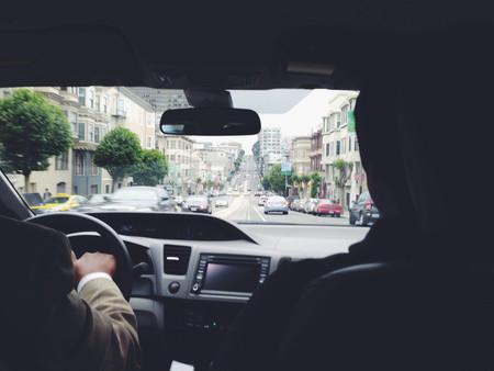 La UE da la razón a los taxistas y dice que Uber es un servicio de transporte