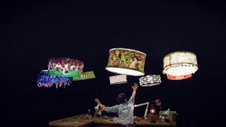 Así de espectaculares son los drones bailarines que hacen coreografías con el circo del Sol