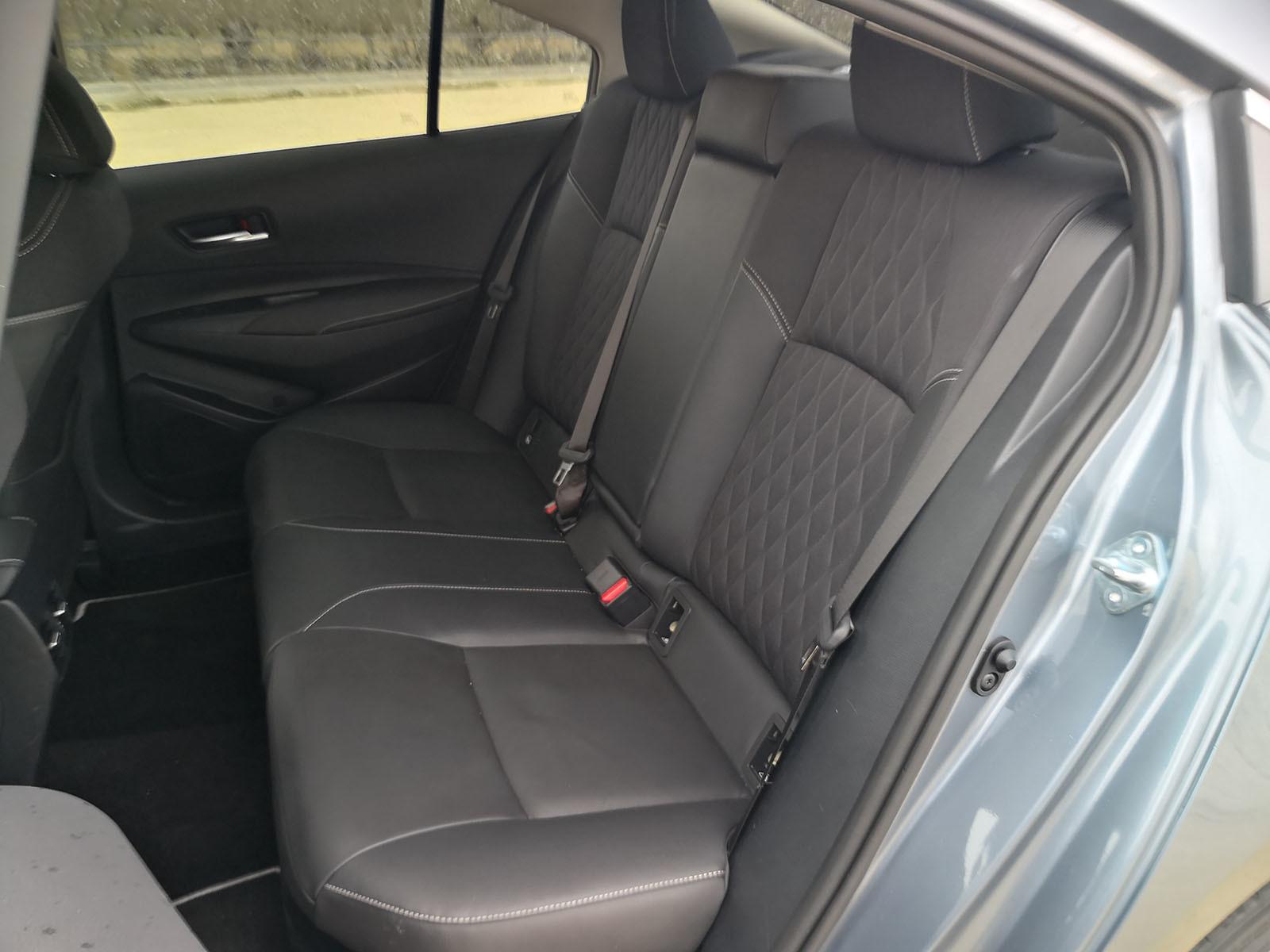 Foto de Toyota Corolla Sedán - Fotos interiores (15/19)