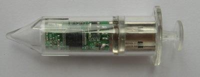 Lápiz USB con forma de jeringuilla
