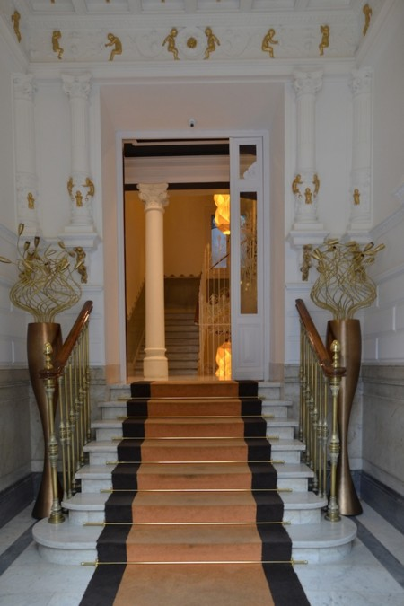 Entrada Hotel Petit Palace Lealtad 2
