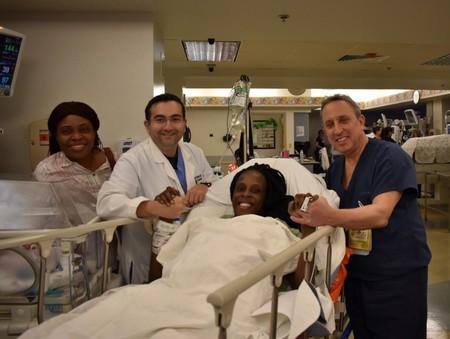 Una mujer estadounidense dio a luz sextillizos, tres parejas de gemelos, en nueve minutos