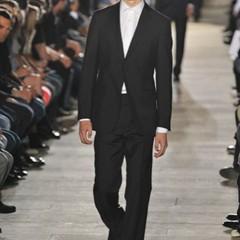 Foto 1 de 10 de la galería raf-simons-primavera-verano-2010-en-la-semana-de-la-moda-de-paris en Trendencias Hombre